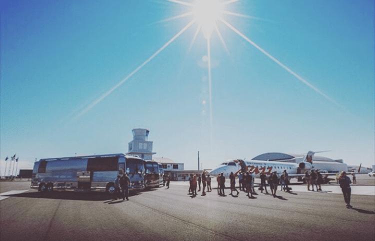 Zac brown Band boarding aircraft